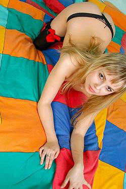 Modelo de acompañante Diana Berlin Servicio de acompañamiento en la aventura de camiones